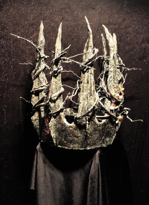 Crown. In collaboration w/ Karianne Gottschalk.