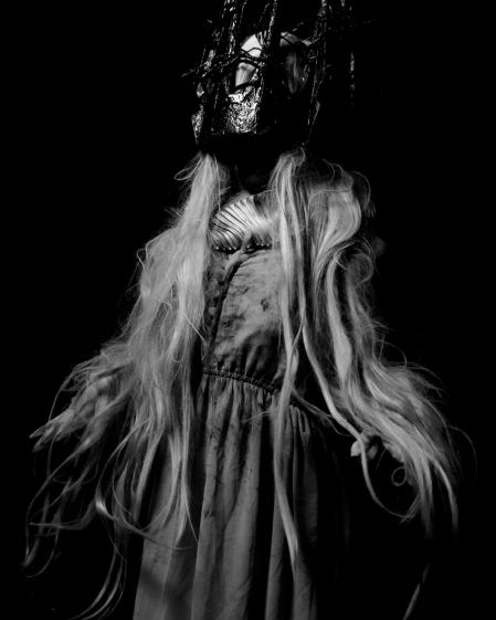 Old-Sad-Ghost_009