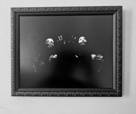 Dualitatem-framed
